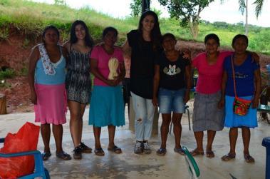 Artisants colombiens travaillants avec la marque de Bijoux ethnique Bachué