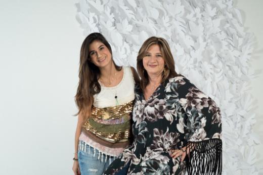 Le créateur de bijoux fantaisie Natalia Forero et sa mère